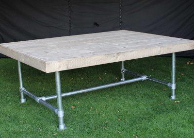 Steigerhouten tafel  20,-